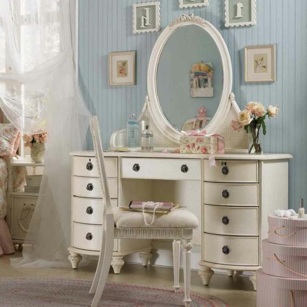 deko-in-vintage-stil-spiegel-weiße-kommode