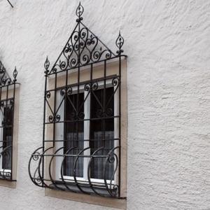 Fenstergitter - schöne Ausführungen zum Fensterschutz
