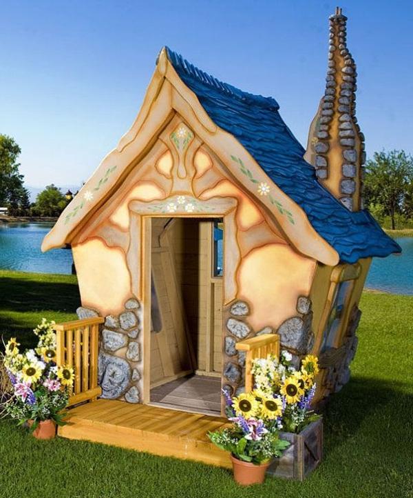 Ein Fantastisches Spielhaus Garten Spaß Für Die Kinder  Kinderhaus U2013 Ein  Märchenhaftes Abenteuer!