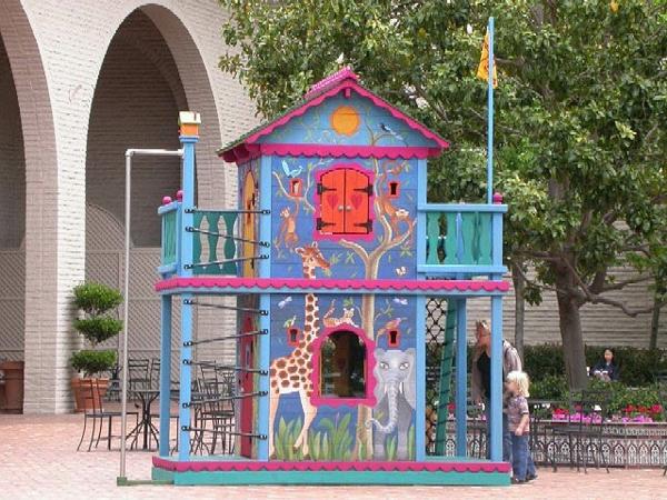 ein-traumhaftes-kinderhaus-zum-spielen-in-dem-eigenen-garten-bauen