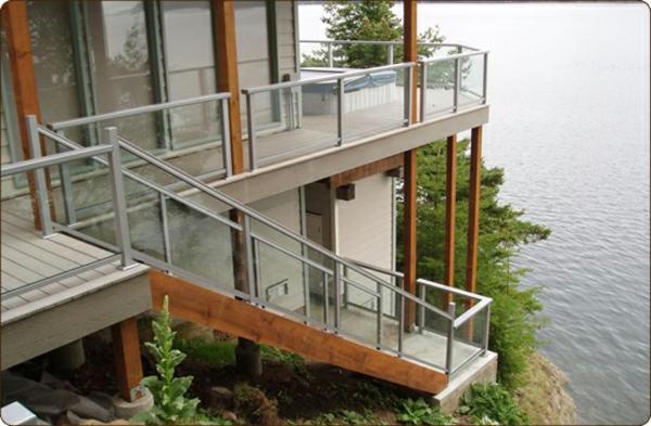 eine-moderne-und-luxuriöse-architektur-ferienwohnung-fantastische-terrasse