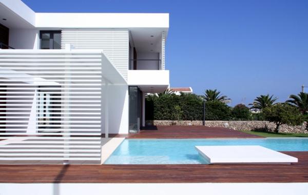 eine-moderne-und-luxuriöse-architektur-ferienwohnung--mit-pool