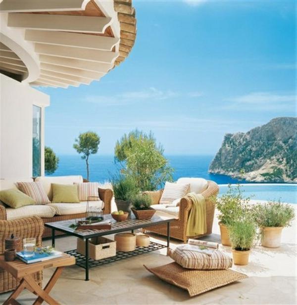 eine-moderne-und-luxuriöse-architektur-ferienwohnung-unikale-terrasse-einrichten