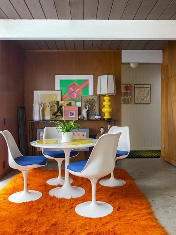 esszimmer-gestalten-schöne-und-moderne-einrichtungsideen-teppich-in-orange