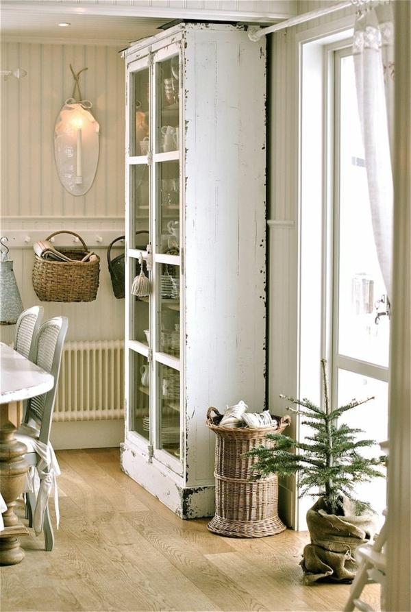 -esszimmer-ideen-landhausstil-esstisch-esszimmerstühle-vintage-design