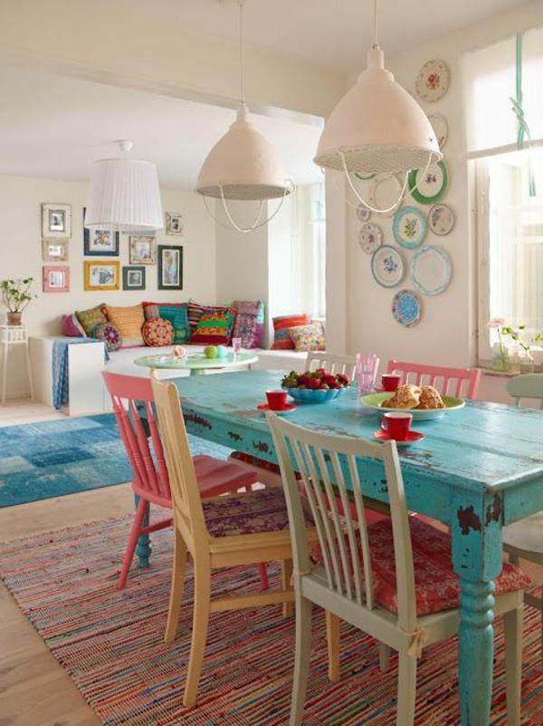 esszimmer-mit-vintage-möbeln-mit-schickem-design-einrichtungsideen- Landhausmöbel