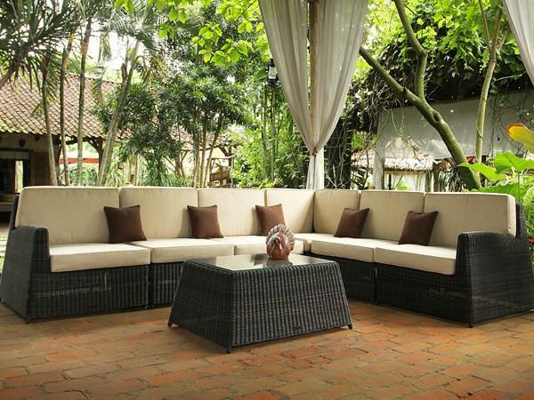 exterior-design-ideen-für-den-außenbereich--garten-und-landschaftsbau- SItzecke im Garten