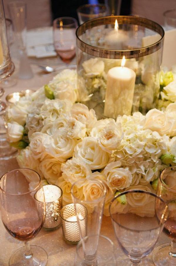 fantastische-blumendeko-zur-hochzeit-weiße.-rosen