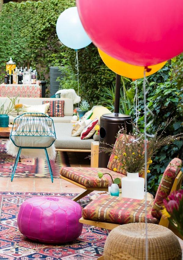 gartendeko-ideen-für-eine-faszinierende-party-im-garten-ballons