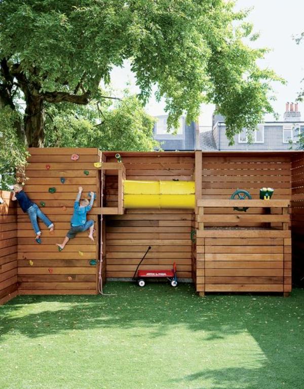 gartenhaus-mit-kletterwand-zum-spielen-ein-platz-für-die-kinder