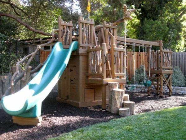 -gartenhaus-mit-rutsche-zum-spielen-coole-ideen-für-die-kinder-