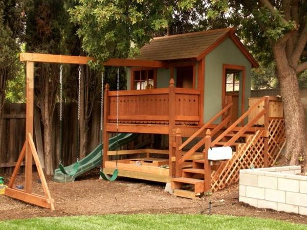 gartenhaus-zum-spielen-coole-ideen-für-die-kinder-mit-schaukel