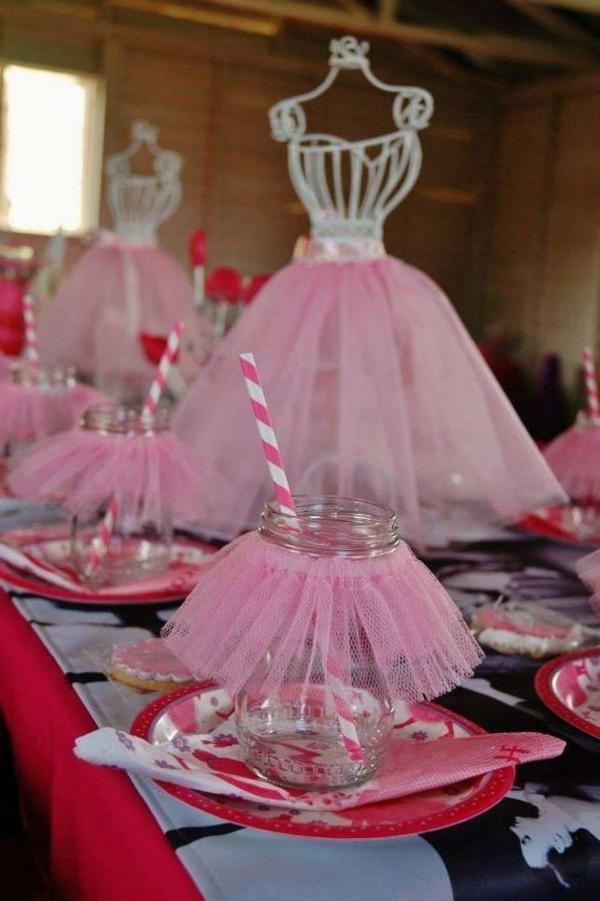 geburtstagsparty-mit-schöner-tischdeko-party-deko-tanzerin-thema
