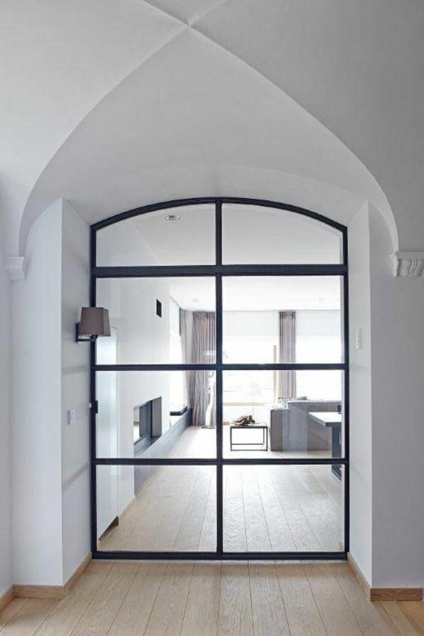 glastüren-mit-schwarzen-rahmen-interior-design-innentüren-glas