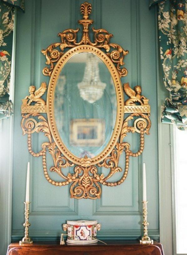 barockspiegel -  ovale form und interessante ornamenten
