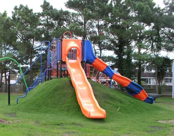große-rutschen-für-die-kinder-exterior-design-ideen