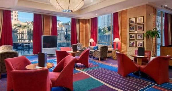 Teppich in bunten Farben - im luxuriösen restaurant