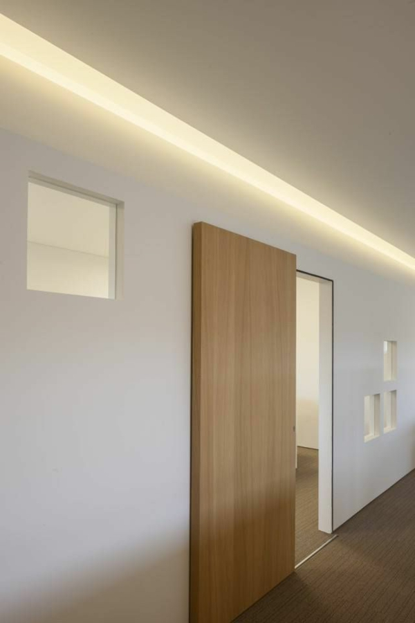 holztür-innen-interior-design_ideen-moderne-ambiente