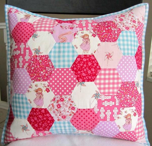 Patchwork modell vom  Kissen - rosige farben