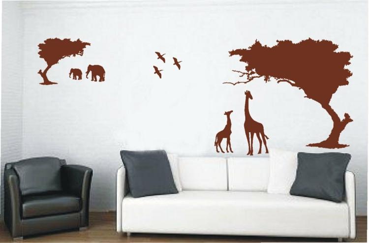 wand-deko-rot-braun-schick-besonders-edel-modern-luxus-couch-in-weiß-mit-graue-kissen
