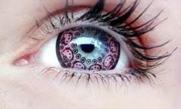 Kontaktlinsen in bunten farben - rosige mini figuren
