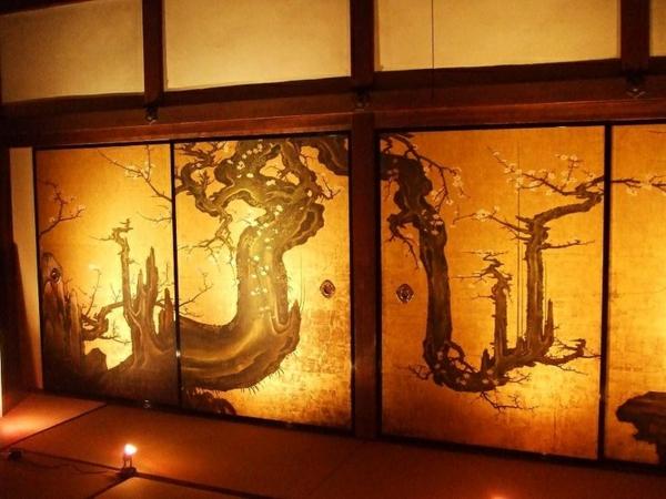 japanische-schiebetüren-drächemotive- ein sehr schönes und cooles bild