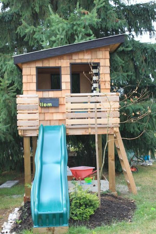 kinderhaus-zum-spielen-in-dem-eigenen-garten-bauen