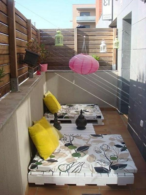 kreative-balkonmöbel-balkon-ideen-für-draußen-balkon-gestaltung