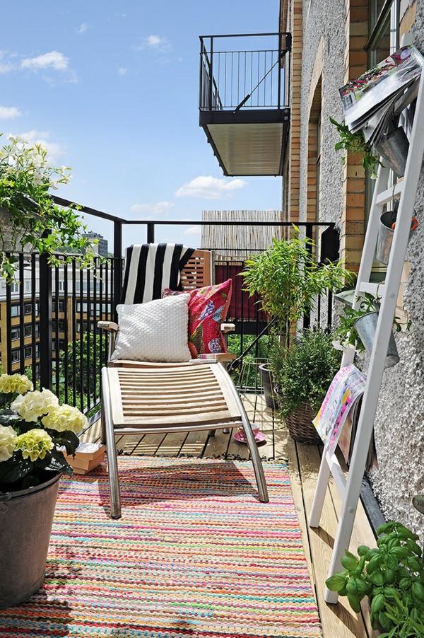 loungem bel holz balkon neuesten design kollektionen f r die familien. Black Bedroom Furniture Sets. Home Design Ideas