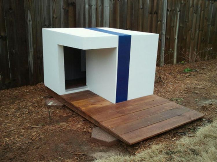 architektur-als-kube-für-besondere-gärten-mit-steg-für-saubere-hunde-pfoten