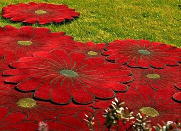 Teppich in bunten Farben - schöne rote blumen