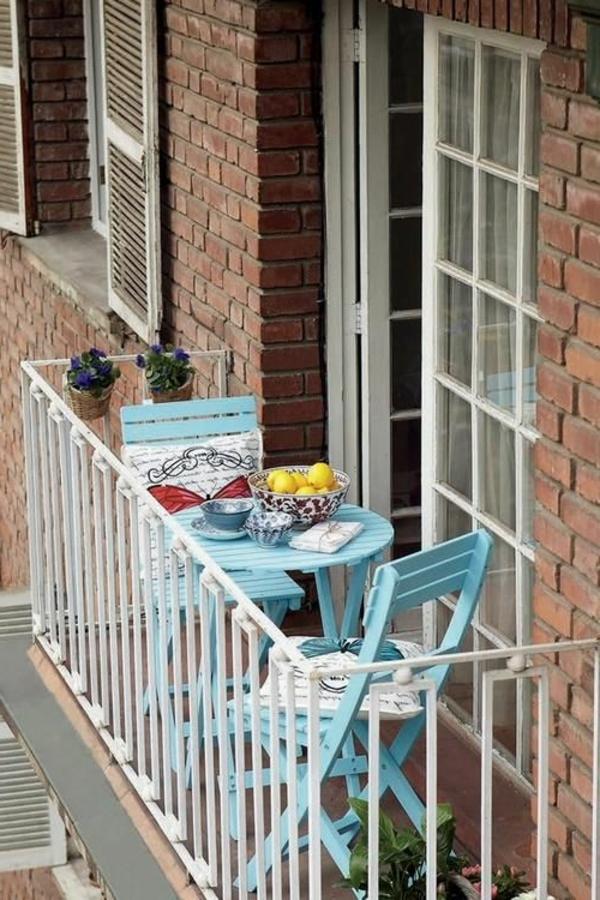 moderne-balkonmöbel-holz-balkon-ideen-für-draußen-balkon-gestaltung
