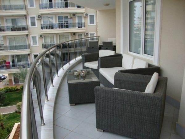 moderne-balkonmöbel-rattan-balkon-ideen-für-draußen-balkon-gestaltung