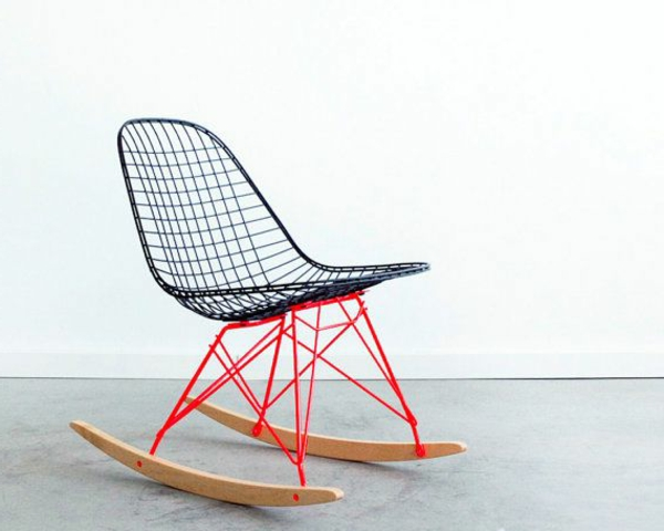 origineller-schaukel-stuhl-mit-super-modernem-design
