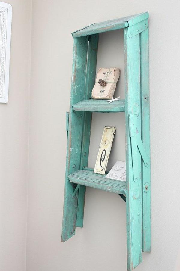 originelles-interior-design-ideen-leiter-holz-in-türkis-im-wohnzimmer
