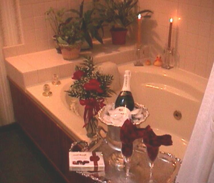 blumen-bade-zimmer-schick-edel-modern-überraschung-besonders-champagner-kerzen
