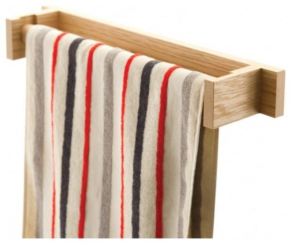 praktischer-und-schöner-handtuchhalter-aus-.holz