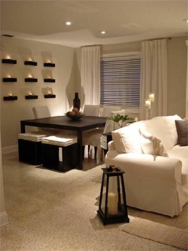 quadratischer-tisch-in-einer-eleganten-wohnung- ein sehr schönes und cooles bild