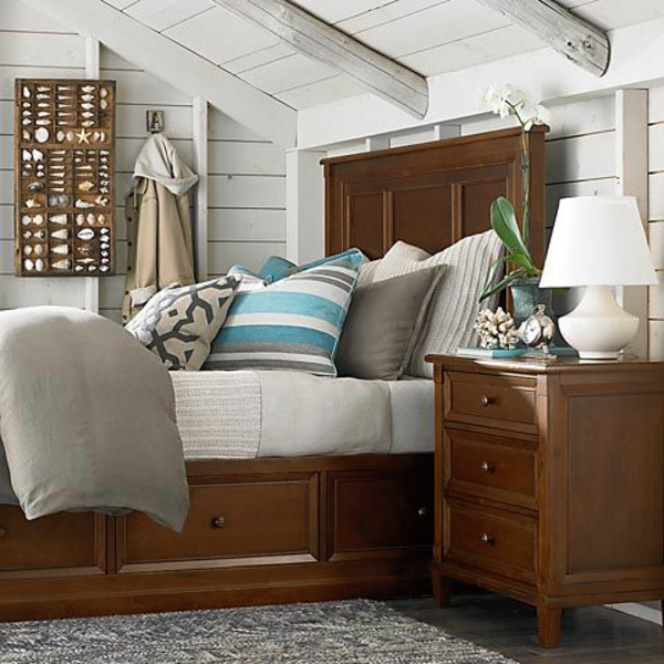 queen size betten kingsize bett im schlafzimmer u. Black Bedroom Furniture Sets. Home Design Ideas