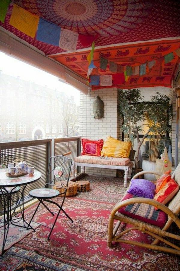 wunderschoner balkon deko ideen zur inspiration With balkon teppich mit alice im wunderland tapete