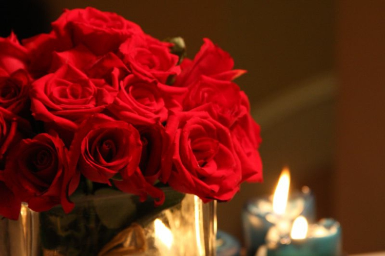 rosen-strauss-schick-besonders-modern-edel-toll-valentinstag-idee-geschenk-überraschung