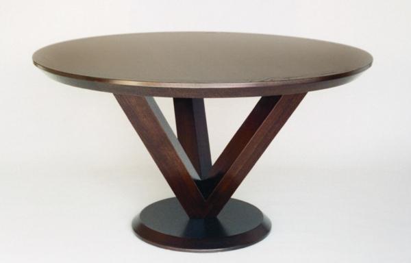 Runder Tisch - hintergrund in weißer farbe