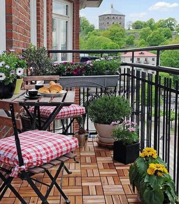 -schöne-balkonmöbel-balkon-balkon-gestalten-balkon-ideen
