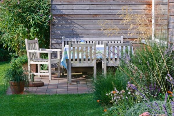 Kleine terrasse gestalten bilder: terrasse holzfliesen und dielen ...