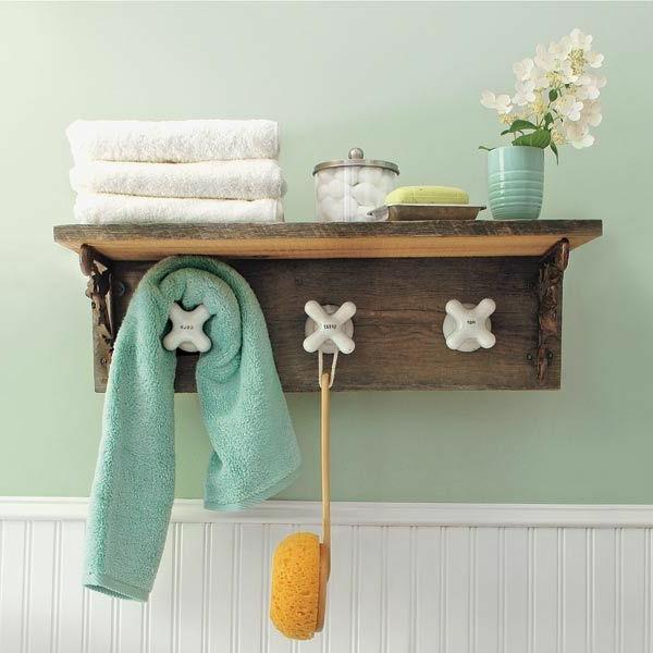 schönes-modell-handtuchhalter-aus-holz-badezimmer-ideen