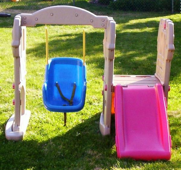 Schaukel mit Rutsche - Spaß am Spielplatz! - Archzine.net
