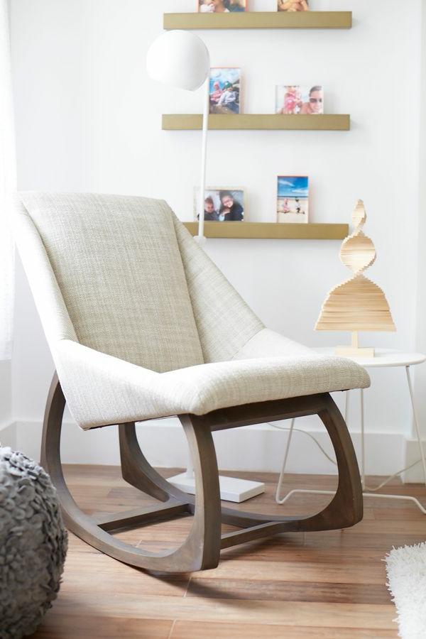 schaukel-stuhl-mit-super-modernem-design