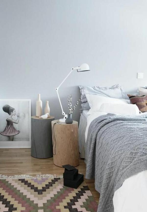 schlafzimmer-inspiration-schlafzimmermöbel-interior-design-ideen-nachttisch-aus-holzstamm
