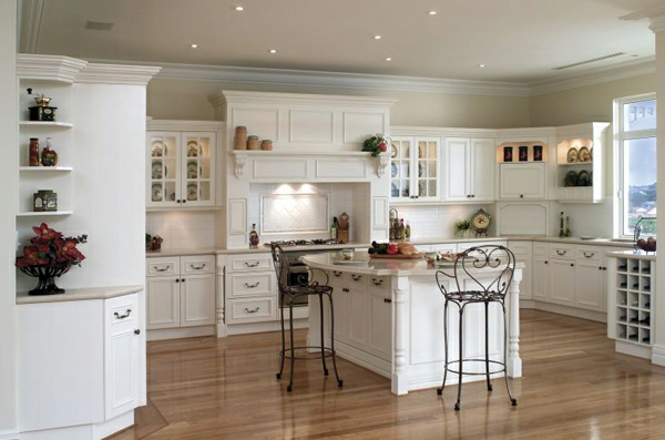 shabbystil - kleine süße deckenleuchten in der weißen küche
