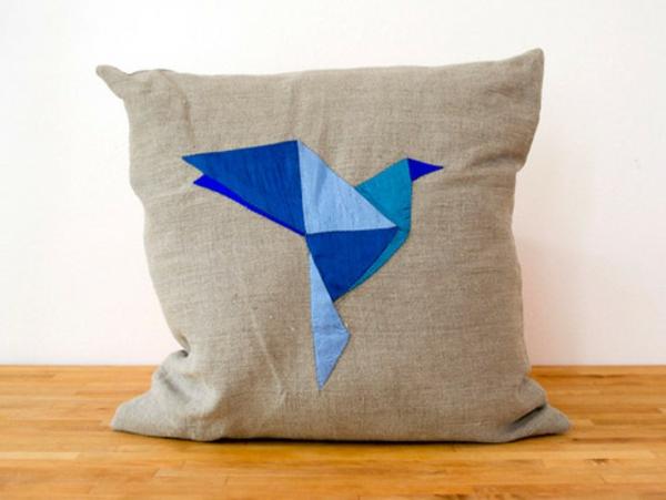 Patchwork modell vom  Kissen - blauer vogel - interessantes modell